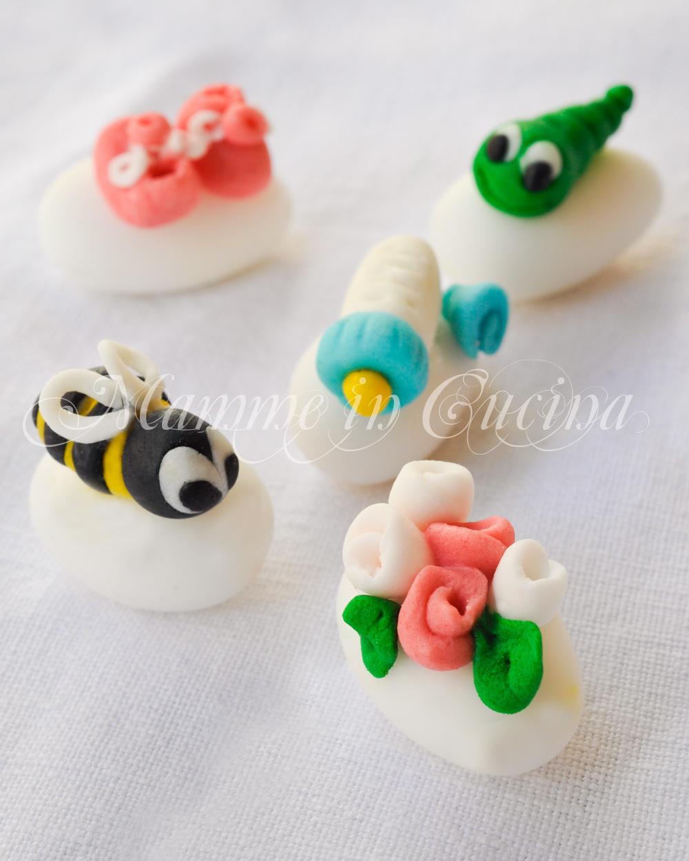 Confetti decorati con pasta di zucchero mamme in cucina