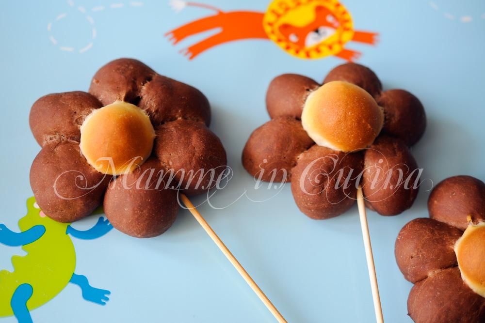 Fiori di brioche bicolori ricetta facile mamme in cucina