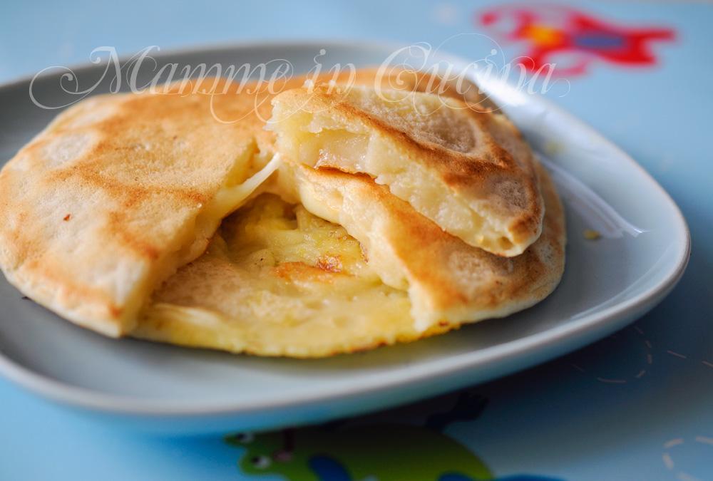 Frittelle di patate senza uova ricetta facile e veloce per for Cucina facile ricette