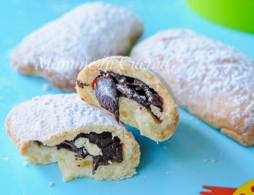 Biscotti ripieni al cioccolato ricetta facile e veloce