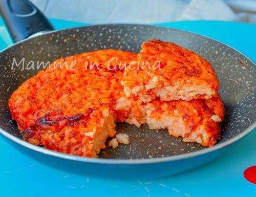 Pizza di riso in padella