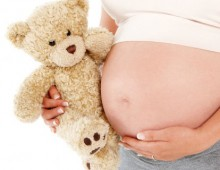 Rimane incinta a pochi giorni dalla nascita dei suoi gemelli da una madre surrogata