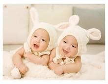 Mamma da record: partorisce tre coppie di gemelli in due anni