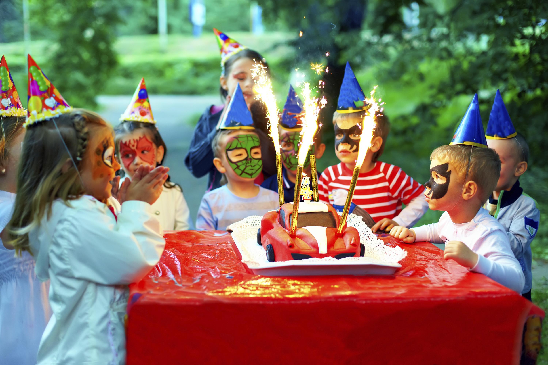 Favorito Come organizzare una festa per bambini di 3 anni - Yummymummy YD96